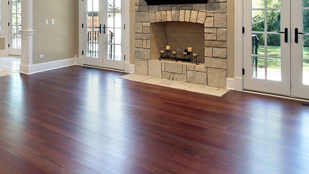 Living Room with Hardwood Flooring in Freeport, PA